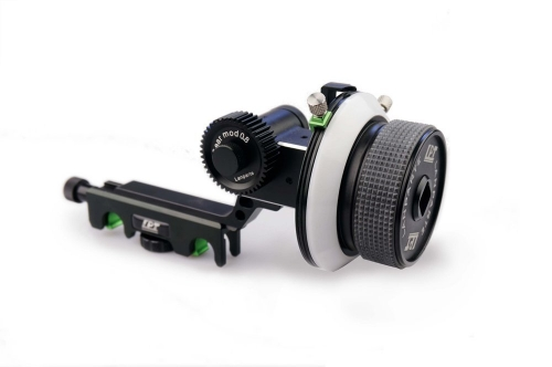 CAMVATE FF-02 Follow Focus with AB Hard Stop (Black)
