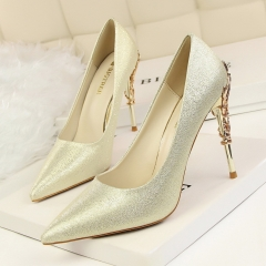 Fashion sexy shoes with high-heeled shoes, pointed shoes