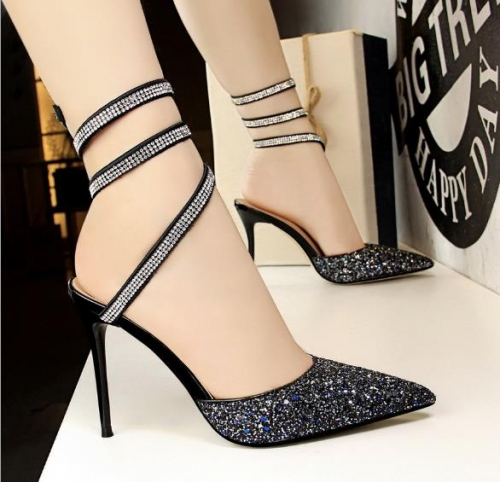 Charming sparkling sequins with high-heeled sandals