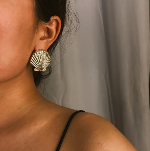 Charming Matte texture shell temperament earrings