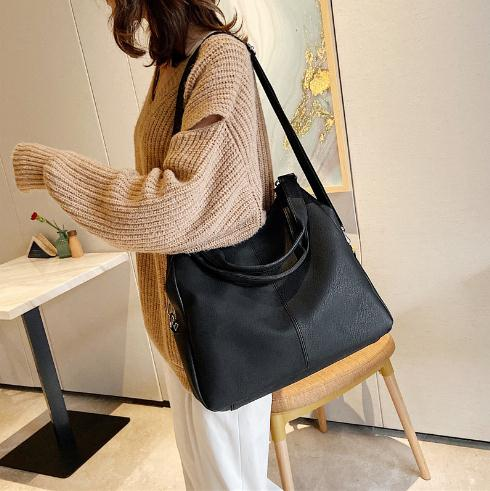 Charming Soft leather one shoulder portable messenger bag