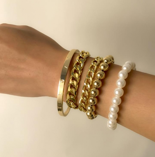 Charming Casual multi-layer imitation pearl chain bracelet