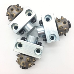 Bush hammer roller with holder support