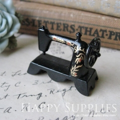2 Miniature High Quality Metal SEWING Machine Pendant(GG0103C)
