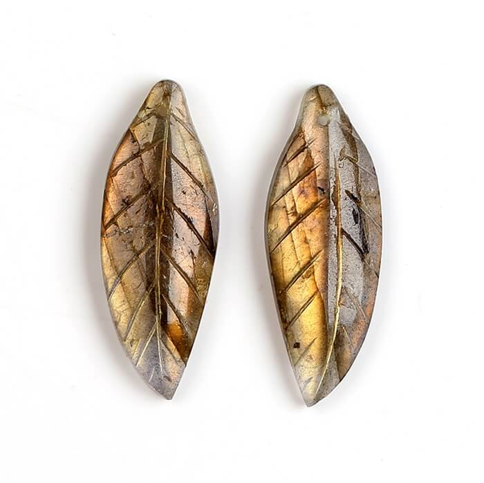 Carved leaf earrings beads