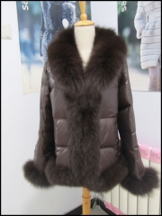 Clearance D17 puffer jacket with fur trim
