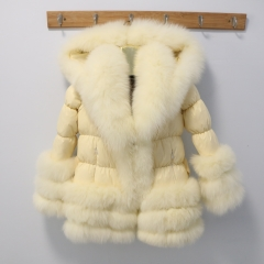 D26 Adult puffer jacket with fox fur trim