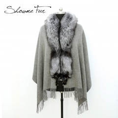 Cashmere Shawl With Fur Collar