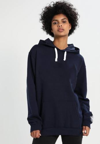 women calssed hoodies