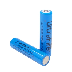 UltraFire 17670 1800mAh Li-ion Recharbeable Battery (2PCS)