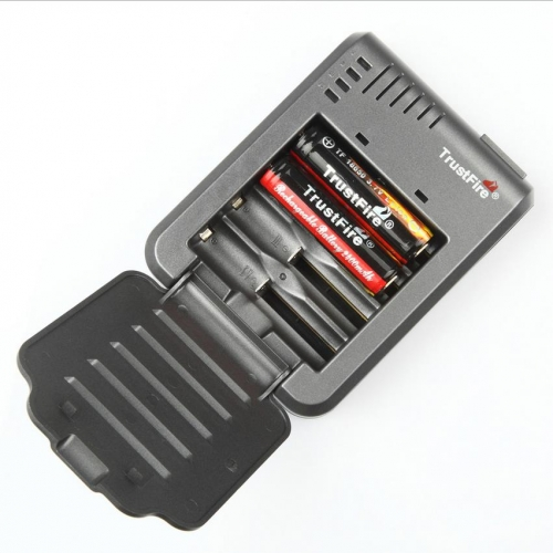 TrustFire TR-003P4 Rechargeable Li-ion Battery Charger