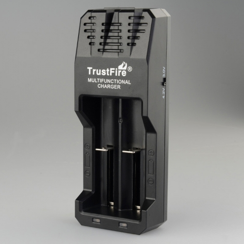 TrustFire TR-015 Multifunctional Lithium Intelligent Battery Charger