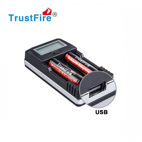 TrustFire TR-011 US/EU Plug Digital Intelligent LCD Display Battery Charger with USB Charging Port