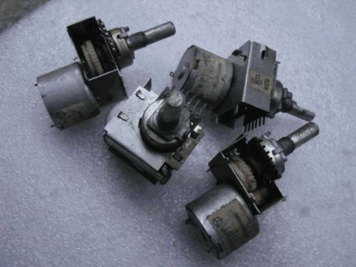 Origional Product Japan Potentiometer with Motor Drive B20K 20MM Axis Japan Origional Product Stock Not Used