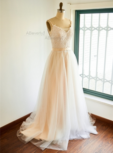 Ivory Lace Tulle Short Train Bridal Dress Wedding Gown