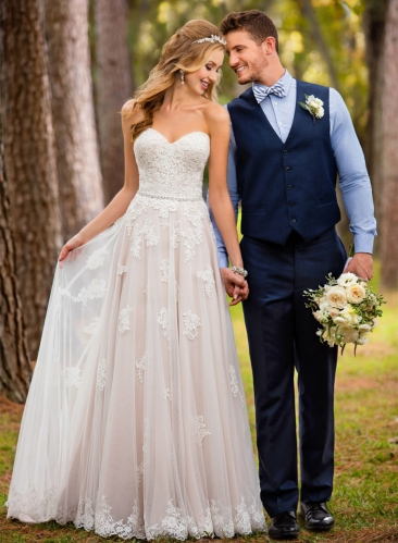 Ivory  Lace Tulle Bridal Gown Sweetheart Wedding Dress