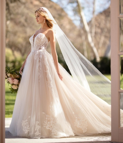 Sweetheart Light Champagne Lace Tulle Bridal Gown Wedding Dress
