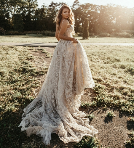 Light Champagne Tulle Long Train Wedding Dress Bridal Gown