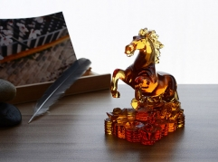 Lost Wax Technology Animal Theme Liuli Crystal Horse Figurine as Fengshui Gifts