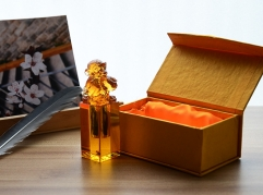 Liuli Crystal Stamp With Monkey Figurine