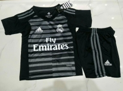 18-19 Real madrid Goalkeeper black kids youth childs soccer jersey