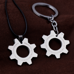 Game Gears Of War Necklace Gear Shape Logo Silver Pendant Keyring Charm Jewelry Birthday Gift