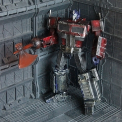 Weijiang WJ MPP10 Oversized Optimus Prime Extremely Damaged Version