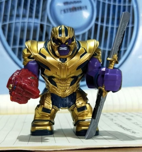 WM963 Big Size Thanos with Infinity Gauntlet and Double swords  Building Blocks children Gifts Toys