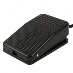 TFS-01 AC 250V 10A Anti-slip Plastic Case Foot Control Pedal Switch, Cable Length: 1m(Black)