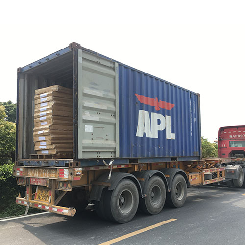 container loading for polycarbonate rolling shutter rolls