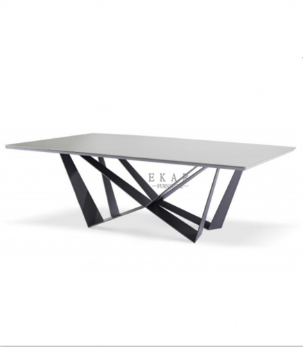 Matel base in matte black lacquered in grey dining table