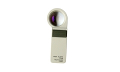 Handheld magnifier with light   671 series