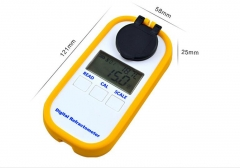 Digital clinical refractometer for dog and cat