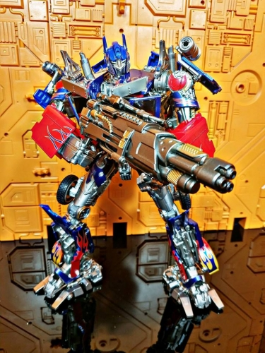 Transformer Toy LegendaryToys LT02 LT-02 Optimus Prime MPM-04 MPM04