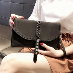 New contrast color chain personality fashion versatile temperament clutch
