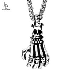 Personality casting three-dimensional skull hand shape titanium steel pendant necklace jewelry