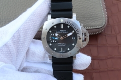 Mens Panerai Luminor Submersible PAM682 682 ZF 1:1 P9010