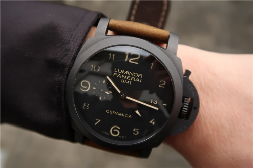 Panerai Luminor GMT 1950 3 Days PAM441 Noob Factory VS V2 1:1 Best Edition, GMT, 44MM, Black Ceramic, Black Dial, Brown Leather Strap, SWISS Panerai P