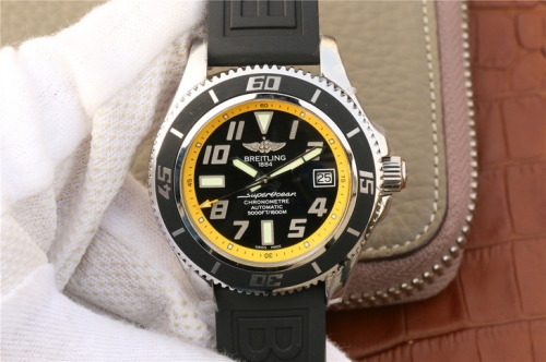 Breitling Superocean Chronometre Abyss A1736402 Stainless Steel Case GM Factory  1:1 Best Edition Black Dial Yellow Inner Bezel On Black Rubber 2824