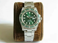 Rolex Submariner 904L Stainless Steel 116610 LV Green Emerald Noob V8S Best Edition on 904L Stainless Steel Bracelet 2836
