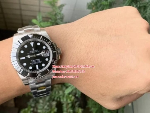 Noob Factory Rolex Ref.116610 Submariner black in 904L Steel Best V11 Edition with Updated Ceramic Bezel & Casekit & Dial & Movement 116610LV