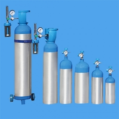 Emergency vehicle oxygen supply system