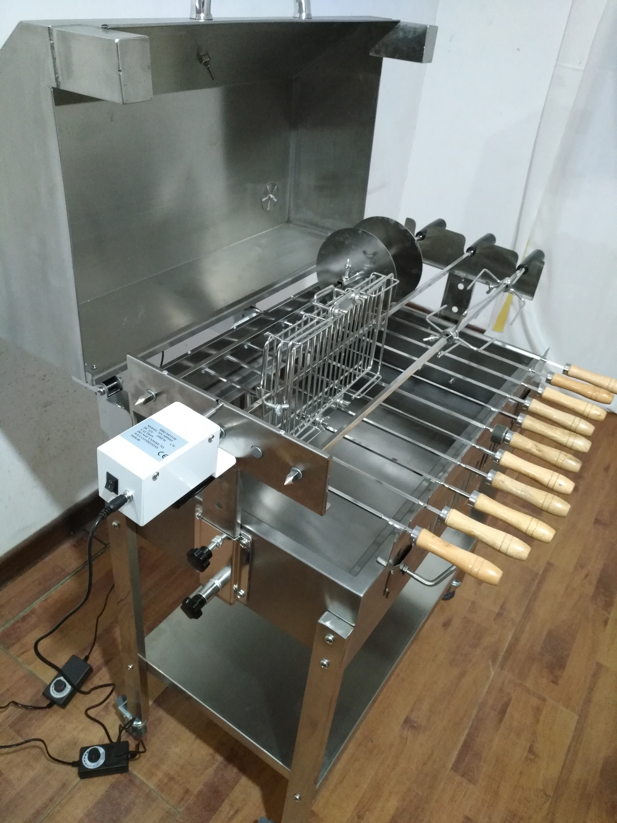 Automatic rotisserie barbecue!