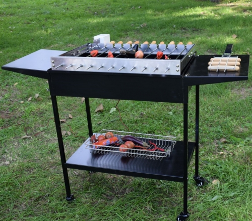 Auto rotating skewer grill and argentine parrilla santa maria grill