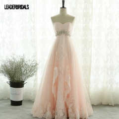 2018 New Wedding Dress Strapless Ruffled Pink Tulle Wedding Gown Jewelry Sash Lace Appliques Color Accent Beach Empire Bridal Gown WZ03