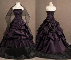 Hot Sale Dark Purple Satin Ruffle Wedding Dress Black Organza Lace Applique Beaded Ball Gown Bridal Dress WZ46