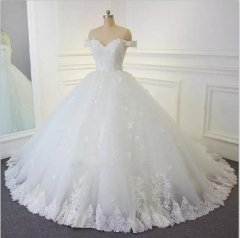 New Style Robe De Mariage Vintage Off Shoulder Satin Lace Applique Bead Ball Gown Wedding Dress Bridal Gown WZ39