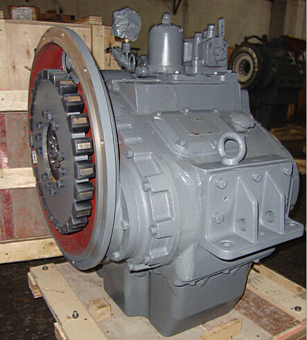Propulsion marine Gearbox 135 Speed ratio 2: 1 - 6: 1 Matching China Heavy Truck wd615 Engine