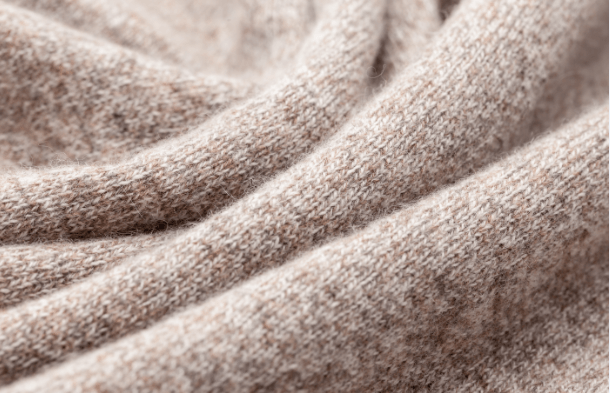 What's the difference between cashmere and sheep's wool blankets