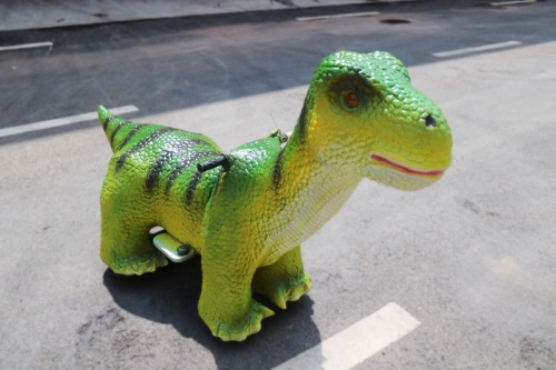 Small size walking dinosaur ride